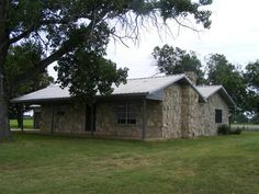 322 carport Great location in the Tolar ISD 2 acres to put your AG animals on or just enjoy the views NEW AC WATER HEATER WELL AND OVEN