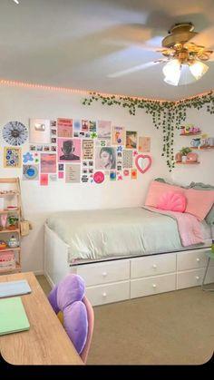 Room Design Bedroom, Room Ideas Bedroom, Bedroom Inspo, Bedroom Decor Teen, Dorm Room Themes, Teenage Room Decor, Bedroom Girls, Girl Bedroom Designs, Dream Bedroom