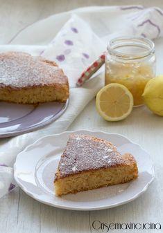 Torta all'acqua con marmellata di limoni e zenzero.
