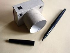 5 Simple Handmade Toys for Kids Welcome back to my DiY round up! Today I show you 5 simple, easy to make toys for kids. We busy parents don't always have time to build large and complicated. Cardboard Camera, Cardboard Crafts, Projects For Kids, Diy For Kids, Crafts For Kids, Camera Crafts, Carton Diy, Covert Cameras, Paper Roll Crafts