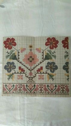 This Pin was discovered by Nur Cross Stitch Borders, Cross Stitch Flowers, Cross Stitch Designs, Cross Stitching, Cross Stitch Patterns, Folk Embroidery, Embroidery Patterns Free, Cross Stitch Embroidery, Sewing Patterns