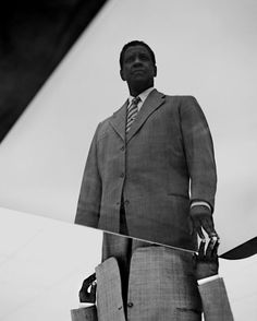 Impressive Black and White Portrait Photography by Jack Davison Black N White Images, Black And White Portraits, Black And White Photography, Film Photography, Fashion Photography, Jack Davison, Denzel Washington, White Backdrop, Branding