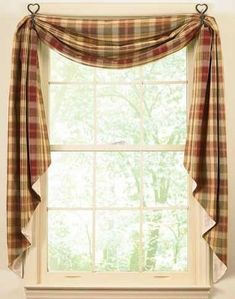 curtains are the jewel in all room. It adds beauty even all song in your home. One has for that reason many choices of curtain designs making it reachable to performance ones creativity in designing the curtains. Cortinas Country, Kitchen Curtain Designs, Country Window Treatments, Country Kitchen Curtains, Kitchen Country, Kitchen Modern, Kitchen Living, Diy Curtains, Curtains Living