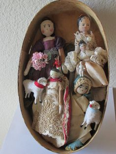 Antique Peg Dolls Grodnertal Collection In Pantry Box