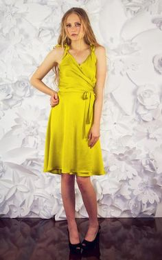 A gorgeous flowing wrap dress with side front gathers, ties on the shoulders and a long waist tie. Perfect for garden parties! Or make as a cute little camisol