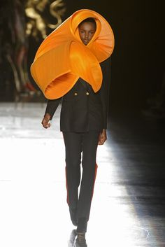 Philip Treacy RTW Spring 2013