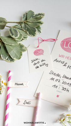Wer seiner Hochzeit eine individuelle Note geben möchte, kann schon mit der Gestaltung der Einladungskarten anfangen. Wir zeigen Euch wie Ihr Hochzeitseinladungen selber basteln könnt und dank unserer Printables braucht Ihr auch nicht viel Geschick oder Zeit, sondern nur ein bisschen Kreativität. Note, Wedding Gifts For Guests, Wedding Preparation, Perfect Wedding