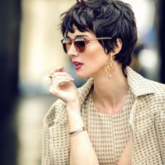 Hair styles wavy short for women 31 ideas Short Wavy Pixie, Short Curly Hair, Wavy Hair, Short Hair Cuts, Curly Hair Styles, Pixie Cut Bangs, Wavy Pixie Haircut, Shaggy Pixie, Short Shag