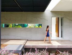 Espacios coherentes, función y belleza en Berrima House / Park   Associates http://www.arquitexs.com/2014/02/casa-moderna-piscina-borde-infinito.html