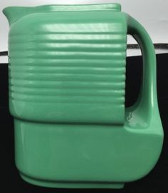 Vintage-Art-Deco-Hall-China-Westinghouse-Refrigerator-Green-Pitcher-Water-Server