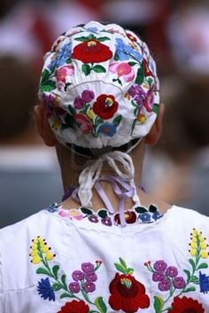 More Hungarian embroidery