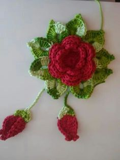 This chain loop flower is a cute and simple crochet flower. It's made of chains and double crochet stitches. It's a nice puffy flower that works great as a decoration on a hat, scarf, shawl, bag and more. Crochet Mittens Free Pattern, Crochet Flower Patterns, Flower Applique, Crochet Motif, Irish Crochet, Crochet Yarn, Crochet Flowers, Crochet Hooks, Crochet Stitches