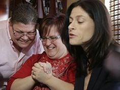 Judge strikes down Michigan's ban on gay marriage
