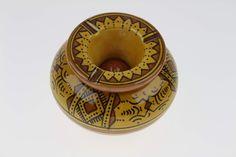 Ce magnifique Cendrier marocain jaune de Safi trouvera sa place à l'intérieur ou…