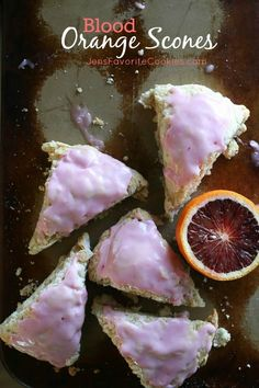 If you like blood orange recipes, you'll love these scones! Learn how to bake scones with buttermilk and blood oranges. Orange Scones, Raspberry Scones, Pistachio Biscotti, Biscuits, Muffins, Orange Sanguine, Donut Glaze, Orange Recipes, Orange