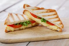 Tips Fresh: 6 Easy Strategies To Get Your Junk Food Wholesome National Toast Day, Weigth Watchers, Plats Weight Watchers, Toast Sandwich, No Salt Recipes, Wrap Sandwiches, Junk Food, Street Food, Food And Drink