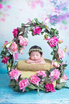 Photographer Does Typical Newborn Photoshoot … But With A Kitten Foto Newborn, Newborn Baby Photos, Newborn Pictures, Baby Pictures, Cute Babies Photography, Newborn Photography Poses, Children Photography, Book Photography, Book Bebe
