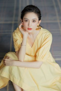 Actress Guli Nazha shined bright in the Charles& Keith event held last July Colorful Fashion, Asian Fashion, Goth Beauty, Charles Keith, Chinese Actress, Dress Cuts, Beautiful Asian Women, Beautiful Actresses, Asian Beauty