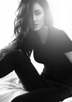 i love how she looks so gorgeous in jeans and a tshirt. love her. #MeganFox