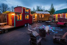 A hotel hooks up to the tiny houses trend, campfire included
