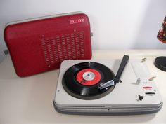 Vintage Rare Retro PHILIPS Diamond Serie Record Player Turntable 33/45 rpm Red and Cream color  PHILIPS Record Player 22GP200 from the 1950s by LaLanterne on Etsy