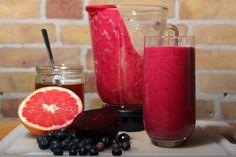 smoothie met rode biet grapefruit en rozemarijn