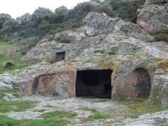necropoli di Montessu  (Villaperuccio, CI)