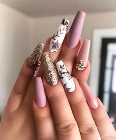 Get Inspired By This Easter Nails With Pastel Colors - # - Shapes lovenails Glam Nails, Dope Nails, Pink Nails, Glitter Nails, Glitter Eyeshadow, Hair And Nails, My Nails, Heart Nails, Nagel Hacks