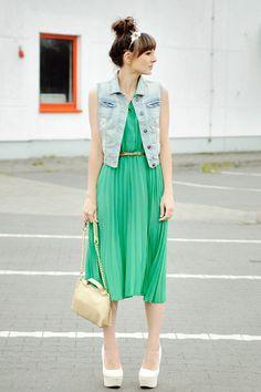 Green pleats. -