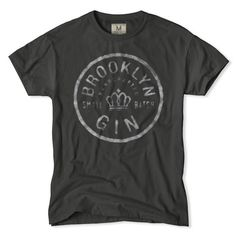 Brooklyn Gin T-Shirt.don't drink but love the design Cool Tees, Cool T Shirts, Tee Shirts, Boss Shirts, Americana Vintage, T-shirt Und Jeans, Mens Outfitters, Eagle Outfitters, Brooklyn Gin