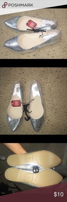 New with tags silver flats New with tags silver flats never worn Faded Glory Shoes Flats & Loafers