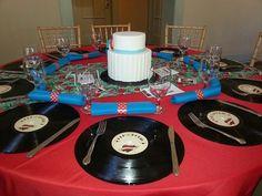 Más ideas originales para bodas. Casarse a lo rockabilly no es algo muy común pero puede ser muy divertido.