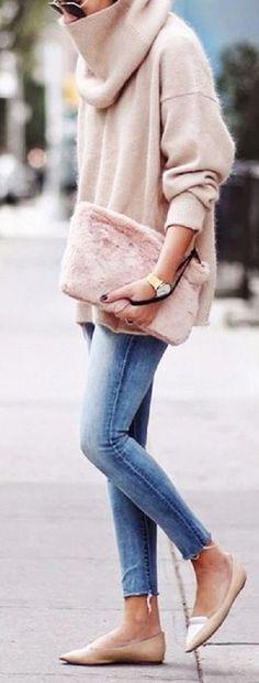 Faux fur clutch (pink)                                                                                                                                                                                 More
