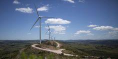"""""""Il Paese in questione è l'Uruguay e la decisione che ha preso riguarda il rinnovamento del proprio sistema energetico. In meno di dieci anni, infatti, le emissioni di carbonio sono state drasticamente ridotte tanto che ora le energie rinnovabili soddisfano il 94,5% del fabbisogno elettrico del Paese"""" Leggi qui l'articolo: http://bit.ly/1JUv5PG"""