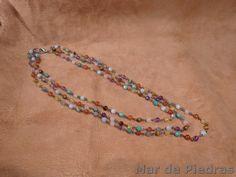 Nuevo collar en Etsy : Collar  de bolitas de piedras naturales por MardePiedras en Etsy, €45.00