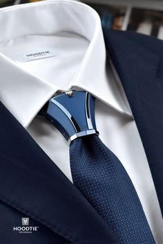 business attire The new luxury tie accessory for bold and stylish men. Take your formal and business attire to a whole new level of modern sophistication with the elegantly masculine H Mens Fashion Suits, Fashion Wear, Mens Suits, Womens Fashion, Sharp Dressed Man, Well Dressed Men, Mode Man, Luxury Ties, Mode Costume