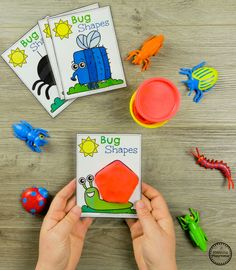 Preschool Bug Activities Making Shapes with Playdough #preschool #bugs #bugtheme #bugactivities #preschoolactivities #shapes