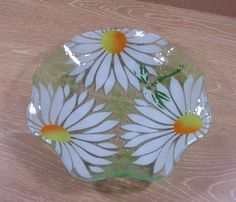 Fused Art Glass Ruffled Edge Bowl Large Daisy by moretreasures4you