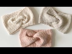 Daisy Farm Crafts Simple beginner friendly, easy to read crochet pattern, for a velvet twist headband.<br> Simple beginner friendly, easy to read crochet pattern, for a velvet twist headband. Quick Crochet, Cute Crochet, Crochet Hooks, Knit Crochet, Crochet Twist, Crochet Winter, Crochet Headband Free, Crochet Christmas Gifts, Diy Mode