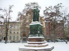 Winter, Lutherdenkmal, Karlsplatz, Eisenach, Thüringen, Germany