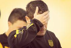 """""""Tony"""" Pacheco en el final de Peñarol con dolor por el Torneo Clausura que perdió el aurinegro."""