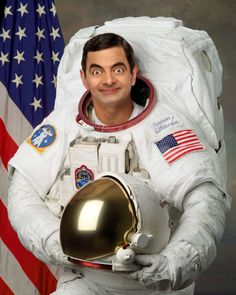 26 Times Mr Bean Photoshopped in The Most Hilarious Way Mr Bean Photoshop, Photoshop Face, Funny Photoshop, Mr Bin, Rowan, Mr Bean Funny, Wife Jokes, Funny Character, Funny Faces