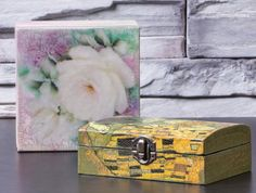 decoupage and crackling varnish decorated jewelry boxes Decoupage Tutorial, French Art, All Art, Paper Cutting, Furniture Decor, Art Pieces, Decorative Boxes, Objects, Canvas