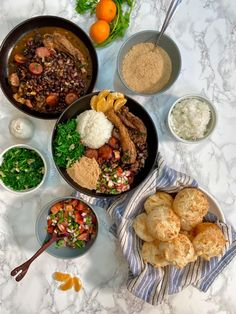 [HOMEMADE] Feijoada & Pao de Quiejo : food South American Dishes, What Is For Dinner, Food Names, Recipe Images, Food Industry, Chef Recipes, Meals For One, Dinner Tonight