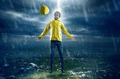 10 Myths that Will Surprise You - MYTH: No One Really Gets Struck by Lightning - REALITY: It Happens Far More Often than You Think - Actually an average of 49 people die each year in the U.S. after being struck, according to the National Weather Service, and for every one death there are nine other people who have varying degrees of injury as a result of being struck, many of those injuries turn into lifelong disabilities.