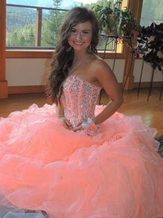 2016 New Sexy Quinceanera Dresses Ball Gowns With Organza Ruffles Beading Sweet 16 Dress For 15 Years Vestidos De 15 Anos Cute Prom Dresses, Sweet 16 Dresses, Grad Dresses, Pageant Dresses, 15 Dresses, Ball Dresses, Pretty Dresses, Homecoming Dresses, Beautiful Dresses