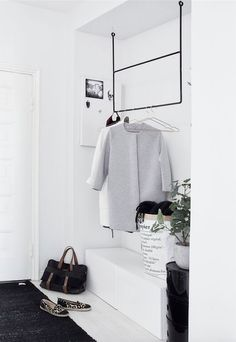Coat hanger or weekly clothes layout