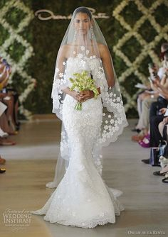 oscar de la renta wedding gown