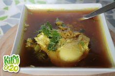 Gezonde snelle miso-soep met gepocheerd ei