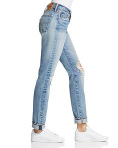 Designed by the denim legends at Levi's, these slouchy skinnies meet your deftly-distressed, weekend-wear needs. Featuring a high-rise and worn-in wash, this pair is sure to become your true-blue best